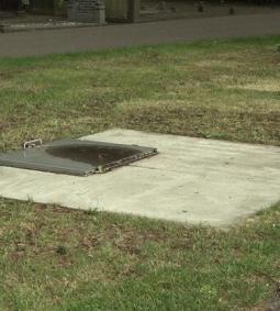 Moet er een monument komen voor de 'knekelput' in Voorthuizen? (Omroep Gelderland)